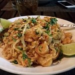 Pad Thai Noodles w/Shrimp