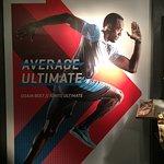 Foto de Usain Bolt's Tracks & Records
