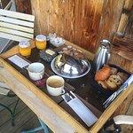 Photos de la chambre , de la piscine et du petit déjeuné qui était tout simplement parfait