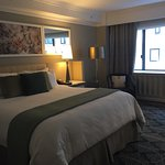 Wonderfully updated, clean, and exceptional service! Spacious king rooms, and very reasonable ra