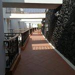 Photo de Apartamentos Fariones