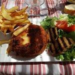 Camembert pané et bougnette grillée