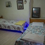 share room ( dorm room )