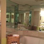 Foto de Ocean Key Resort & Spa, A Noble House Resort