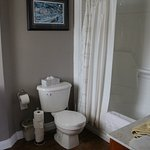 The Narrows B&B Room #7 ensuite bathroom