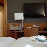 Photo de AC Hotel Carlton Madrid