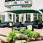 Steigenberger Hotel Treudelberg Hotelbar Terrasse
