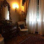 Photo de Hotel Jolanda