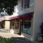 One of the best places to try great Ice Cream. I usually stop there and grab a Maple Wulnut Icec