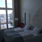 Very nice hotel approx. 1,5km from Central Station (walking distance). Nice rooms to the waterfr