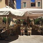 Corina Restaurant Foto