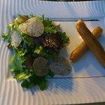 Croustillant chèvre et salade truffée