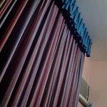 cortinado y calefacción ruidosa