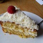 Coconut cake - Yum !