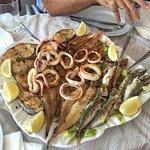 Hermoso lugar para desgustar de un excelente pescado y mariscos frescos las vistas de la terraza