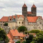 Blick vom Münzenberg auf das Quedlinburger Schloss