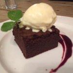 Chocolate fudge brownie with ice cream