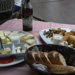antipasto di formaggi e frittura mista