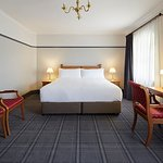 Photo de Brassey Hotel