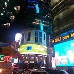 Photo de Staybridge Suites Times Square - New York City