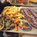 Carnes, Pescados, pizzas, Ensaladas... y mucho más