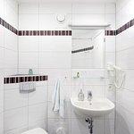 Einzelzimmer Bad mit Dusche