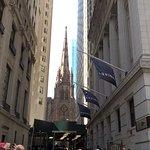 La chiesa da Wall Street