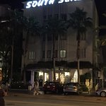 Photo of South Seas Hotel