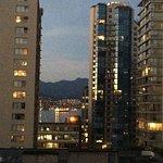 Foto de Riviera on Robson Suites Hotel Downtown Vancouver