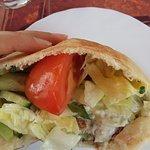 Pita mit Zucchinilaibchen (Tagesangebot)