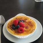 Berry brulee