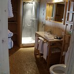Large size ensuite with good supplies - including a hairdryer