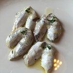 "Perfecta comida en el Hormaondo... Como siempre! Kokotxas brasa, crema de guisantes, ""wok"" de ve"