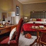 Photo de Buswells Hotel