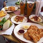 Wiener Schnitzel vom Kalb im Spatenhaus an der Oper