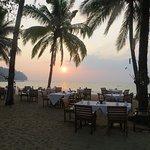 Sonnenuntergang beim Restaurant