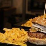Una de nuestras deliciosas Hamburguesas