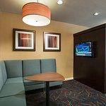 Photo de Residence Inn Palm Desert