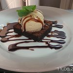 Enjoy our warm chocolate brownie