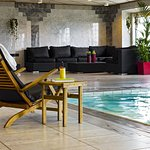 Relax area with pool