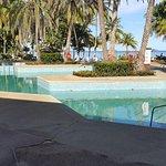 piscina verdosa