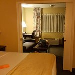 Photo de Oxford Suites Redding