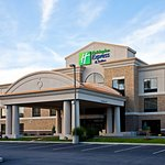Photo de Holiday Inn Express Hotel & Suites Seymour