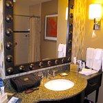 Sink & Vanity
