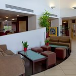 Photo de Holiday Inn Express Stansted Airport