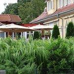 Gartenterrasse vom Tennisplatz aus