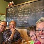 Foto de Squeeze-In Restaurant & Deck
