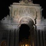 Anda-se as 2:30 da manha em Lisboa e tudo que vimos são pessoas com vida noturna e bons motivos