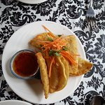 Fried vegetable dumplings.