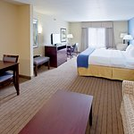Photo de Holiday Inn Express Hotel & Suites Shelbyville - Indianapolis